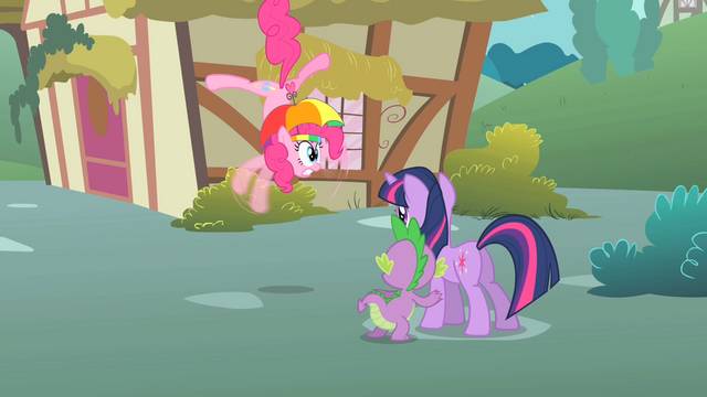 File:Pinkie Pie twitches S1E15.png