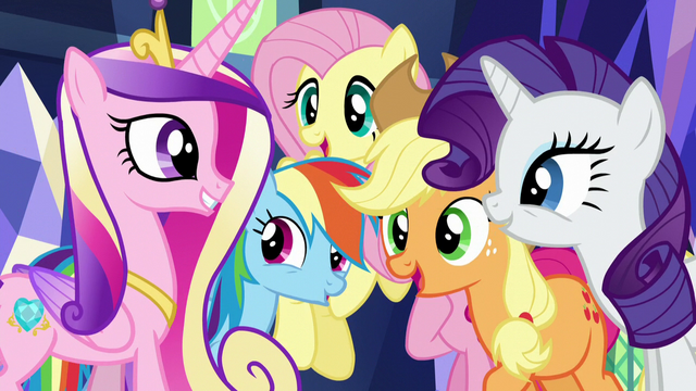 File:Twilight's friends return Cadance's greeting S5E19.png