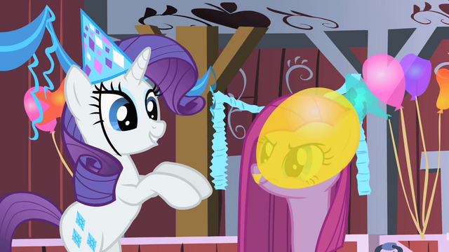 File:Rarity happy 3 S01E25.png