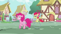 Pinkie Pie tripping S2E6