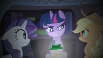 Twilight Sparkle telling her ghost story S1E08