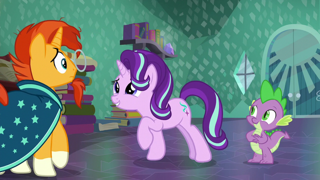 File:Starlight smiles at Sunburst while he backs up S6E2.png
