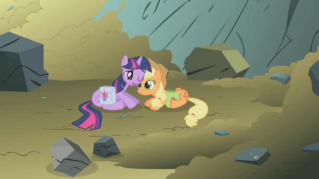 File:Applejack saved Twilight S01E07.png
