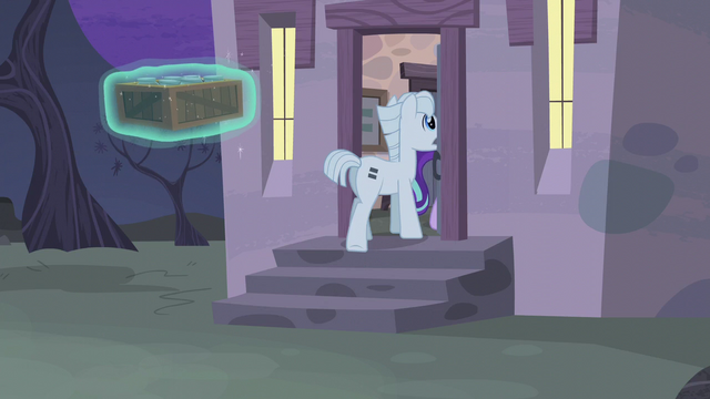 File:Double and Starlight enter the house S5E02.png