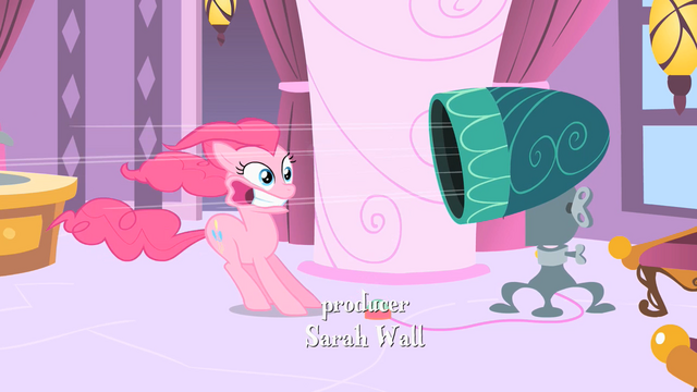 File:Pinkie Pie Dryer S1E26.png