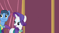 Rarity 'excuse us for a second' S4E14