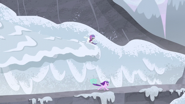 File:Double Diamond creates an avalanche S5E2.png