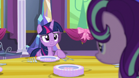 "Twilight ""setting the table"" S06E06"