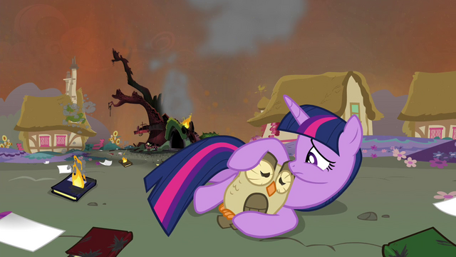 File:Twilight and Owlowiscious sad S4E26.png