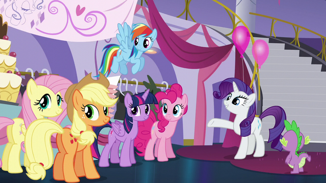 File:Rarity pointing to the boutique entrance S5E14.png