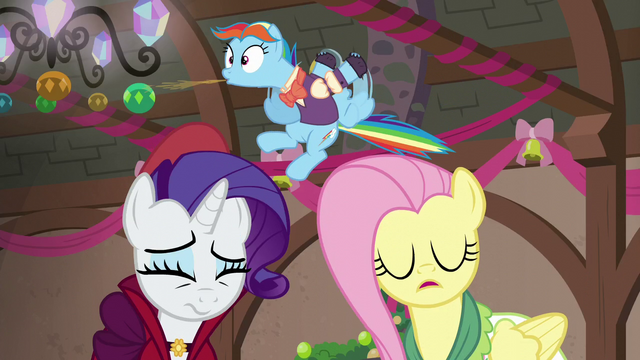 File:Snowdash spits out cider gag S06E08.png