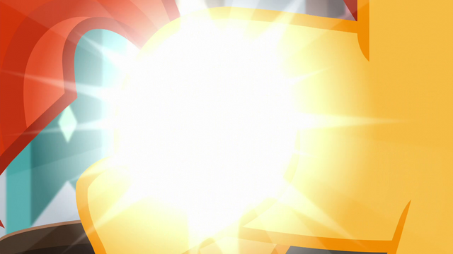 File:Sunburst's flank shines bright S5E26.png