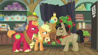 Filthy Rich apologizing to young Applejack S6E23