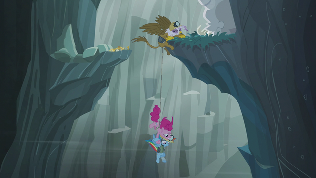 File:Gilda grabs onto another ledge S5E8.png