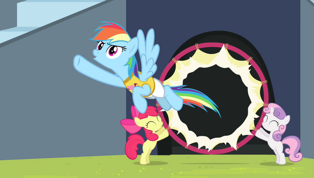 File:Rainbow Dash flying through the hoop S4E24.png