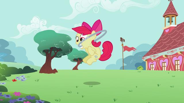 File:Apple Bloom jumping hoop S2E6.png