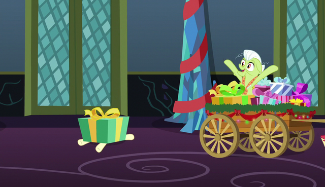 File:Princess Erroria squished by large gift box S6E8.png