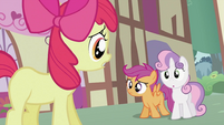 Apple Bloom apologizing to Scootaloo and Sweetie Belle S2E06