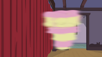 Fluttershy spinning around S4E14