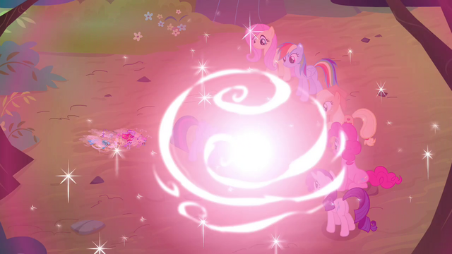 File:Twilight's magic surges S4E16.png