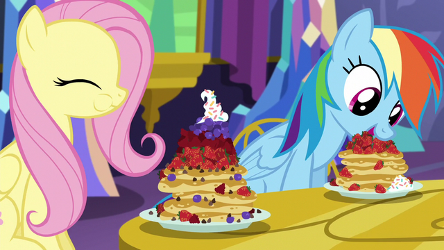 File:Fluttershy and Rainbow eating pancakes S5E3.png