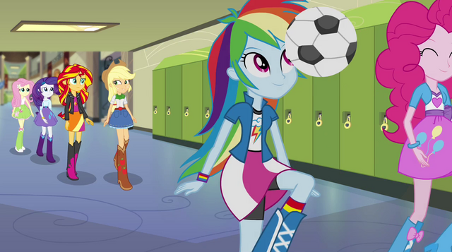 File:Sunset and friends walk through the hallway EG2.png