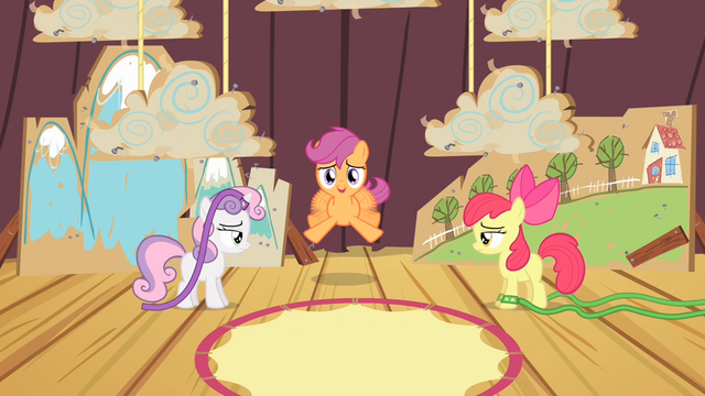 File:Scootaloo trying to fly S4E05.png