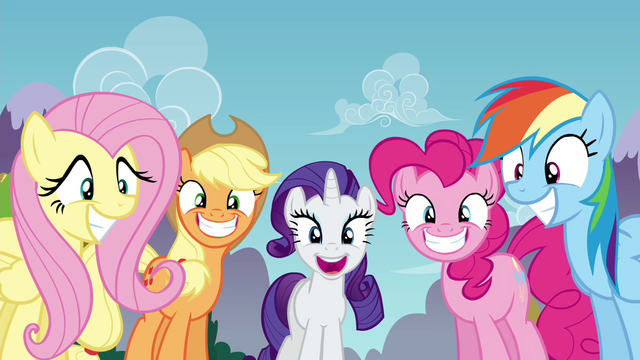 File:Twilight's friends with big grins S4E26.png