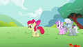 Apple Bloom continues using her hoop S2E06.png