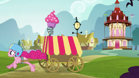 Pinkie races in high speed S5E19