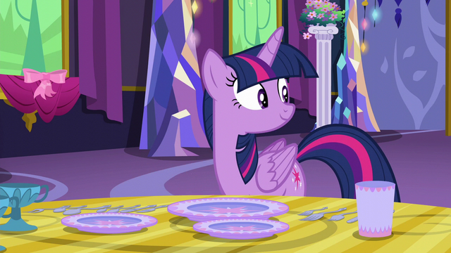 File:Twilight Sparkle hears Starlight return S6E6.png