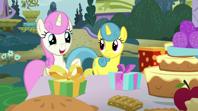 "File:Twinkleshine ""we wouldn't miss one of our best friends' parties"" S5E12.png"