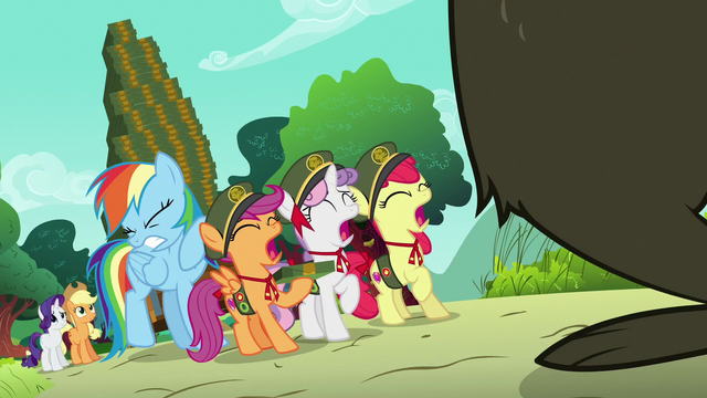 File:Rainbow and CMC scared of Harry S6E15.png