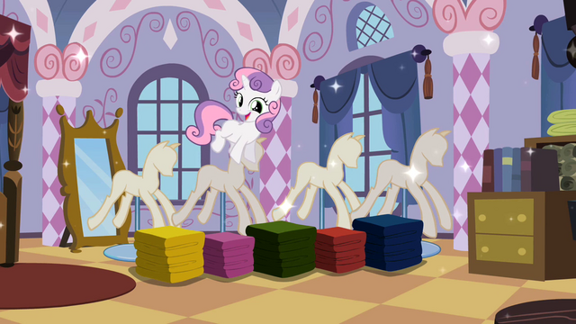 File:Sweetie Belle surprising Rarity 2 S02E05.png