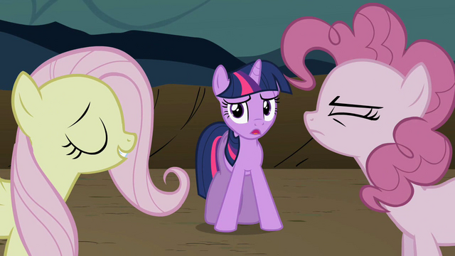 File:Twilight watching Fluttershy and Pinkie bicker S2E2.png