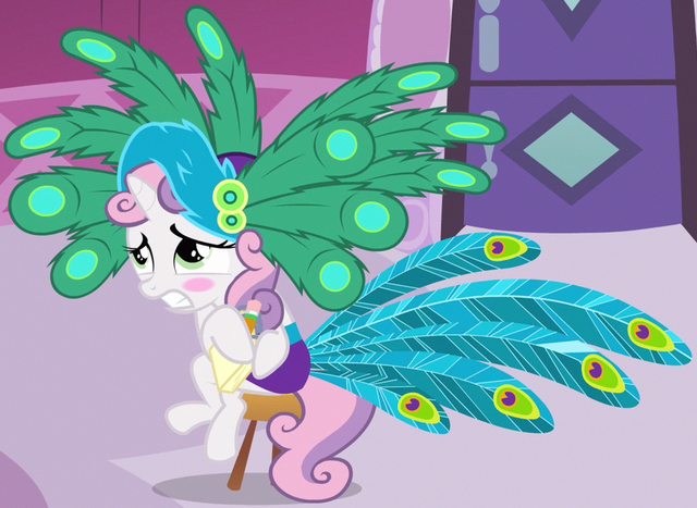 File:Sweetie Belle peacock dress ID S2E23.png