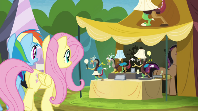 File:Rainbow and Fluttershy approaching Stellar Eclipse's stall S4E22.png