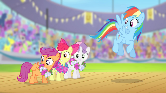 "File:Scootaloo ""cutie marks in flag carrying"" S4E05.png"