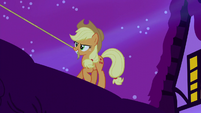 Applejack holding lasso in her mouth S5E13