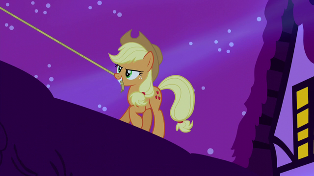 File:Applejack holding lasso in her mouth S5E13.png
