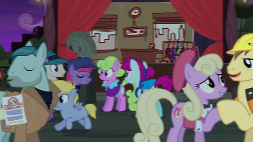 Manehattan ponies and Method Mares mingling S5E16.png