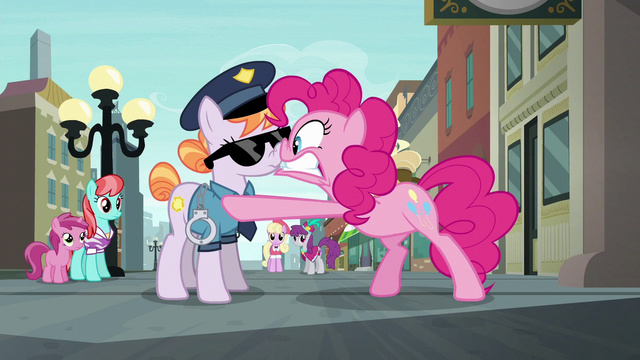 File:Pinkie Pie panicking in the officer's face S6E3.png