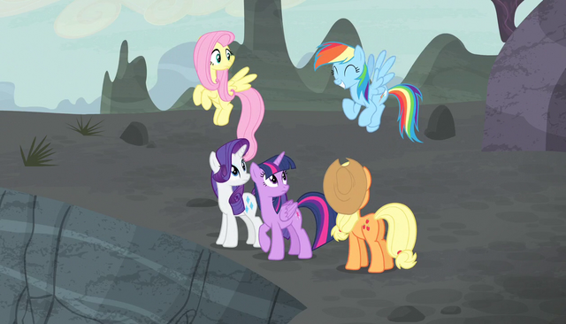File:Rainbow Dash excited about danger S5E1.png