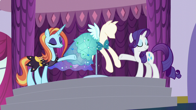 File:Rarity and Sassy reveal new dress S5E14.png