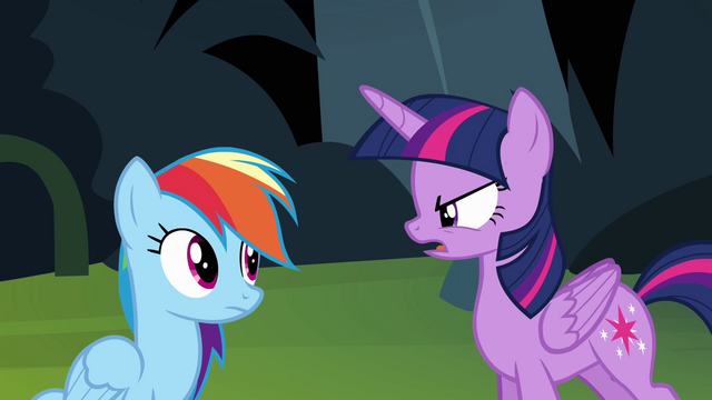 File:Twilight getting angry with Rainbow Dash S4E04.png