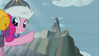 Pinkie points up to Griffonstone S5E8