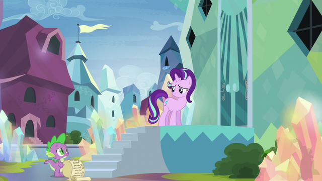 File:Starlight looking back to Spike S6E1.png