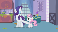 Rarity backing Sweetie Belle off S2E05