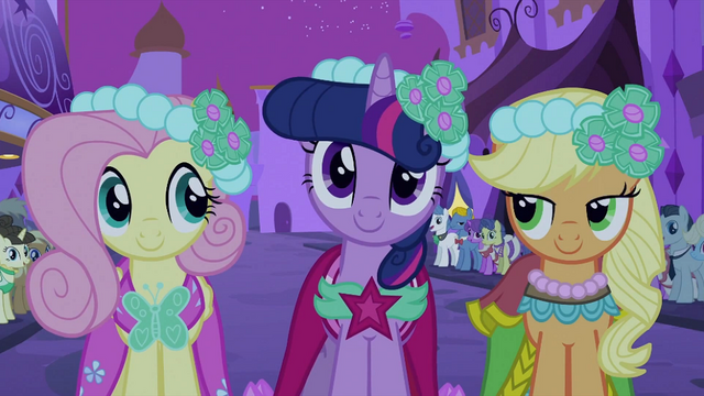 File:Fluttershy, Twilight and Applejack S2E26.png
