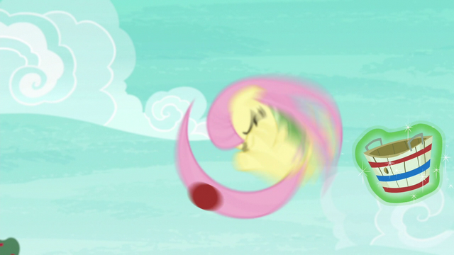 File:Fluttershy catches the ball with her tail S6E18.png